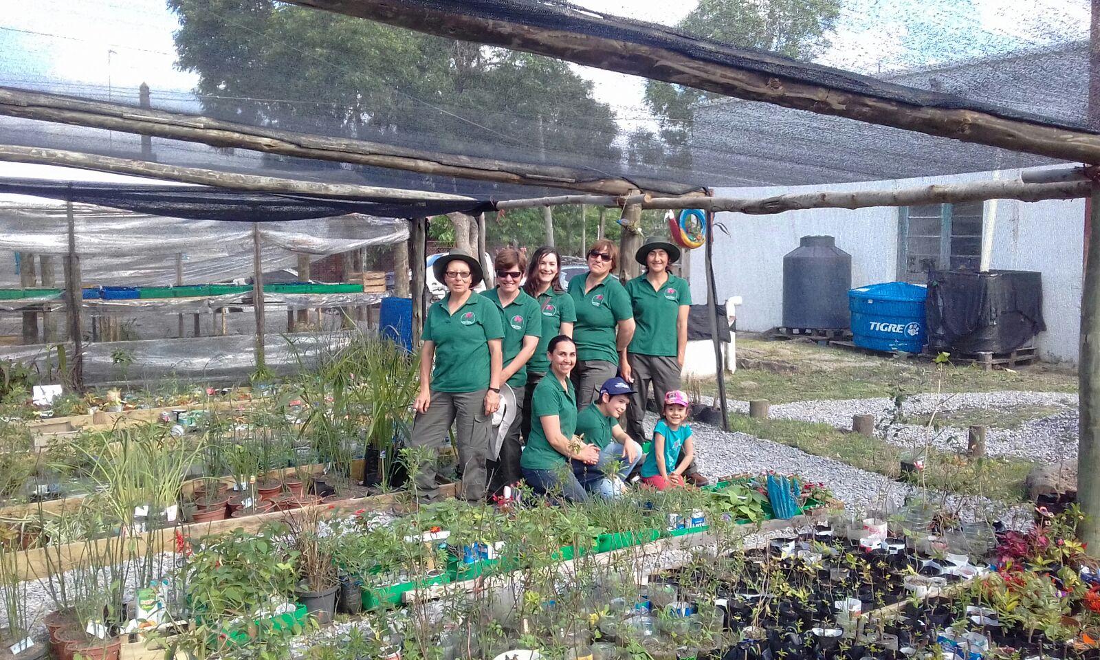 Vivero plantas nativas cardal programa de peque as for Vivero plantas nativas